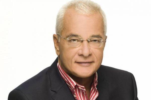 Ανατροπή - Ενημερωτική εκπομπή με τον Γιάννη Πρετεντέρη που αγγίζει θέματα της επικαιρότητας με ρεπορτάζ, καλεσμένους στο στούντιο και συνδέσεις
