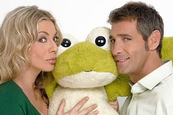 Φίλα το βάτραχο σου - Τι μέλλον μπορούν να έχουν ένας πολιτικός με μια καμαριέρα