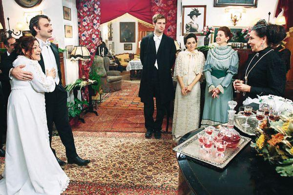 7 θανάσιμες πεθερές - Όπου νύφη και μια θανάσιμη πεθερά