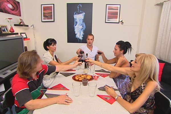 Κάτι ψήνεται - Διαγωνισμός μαγειρικής με συμμετέχοντες μάγειρες της διπλανής πόρτας