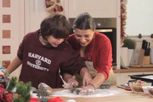 Τι θα φάμε σήμερα Μαμα; - Η Νταϊάν Κόχυλα, σεφ, συγγραφέας και μαμά, ανοίγει το χώρο της και τις συνταγές της και τις μοιράζεται με τους τηλεθεατές