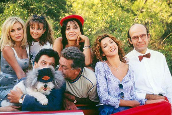 Και οι παντρεμένοι έχουν ψυχή - Ακάλυπτος και Αλίκη, Μάκης και Ρένα, Μπέτη και Ρένος