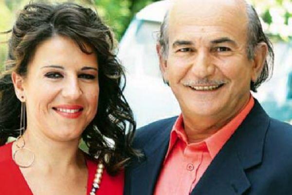 Τύχη βουνό - Ο Αβραάμ Τσακιρίδης είναι η κεφαλή μιας παραδοσιακής ποντιακής οικογένειας και ο μεγάλος του καημός δεν είναι άλλος από το να παντρέψει την κόρη του Μέλα