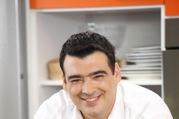 Μαγειρευω οικονομικά - Μια εκπομπή μαγειρικής που εστιάζει στην ελληνική κουζίνα με προϊόντα της ελληνικής φύσης και στο οικονομικό μαγείρεμα